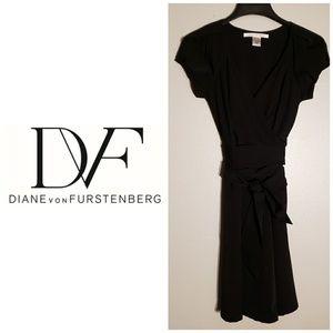 Diane Von Furstenberg Size 2 Black Wrap Dress